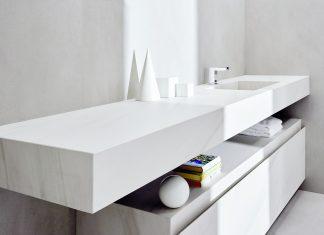 Il bagno è firmato I Naturali in Bianco Lasa
